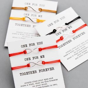 LoveMore Páros karkötő Jókívánság kártyával – többféle színben – bevezető áron