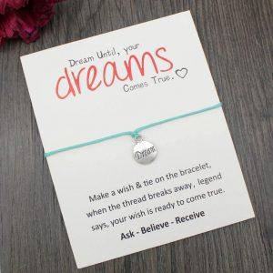StreetDesign Dreams karkötő Jókívánság kártyával – többféle színben – bevezető áron