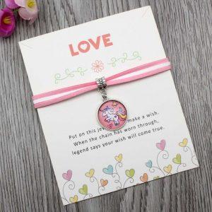 StreetDesign Unicorn-Love karkötő Jókívánság kártyával – bevezető áron